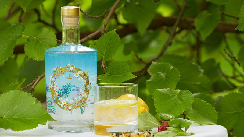 Buckingham Palace gin sells out online in eight hours