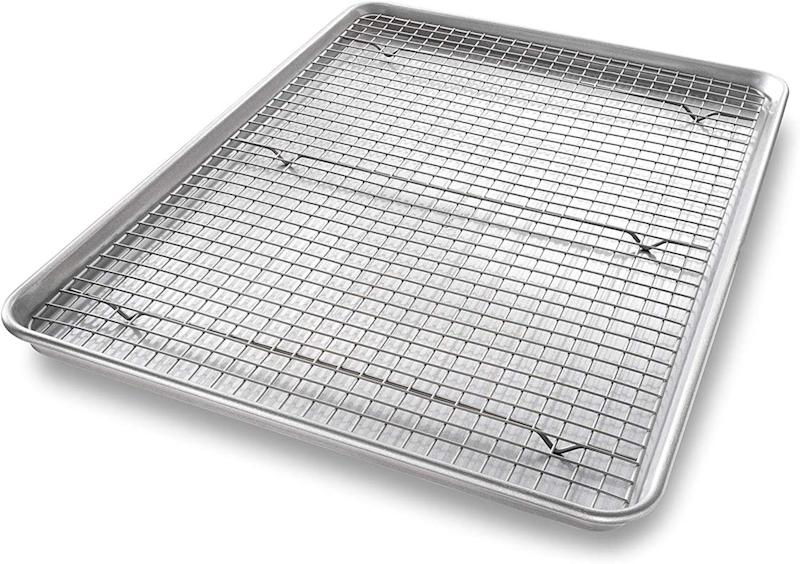 "A built-in cooling rack makes this one a ""dream pan."" Photo: Amazon"