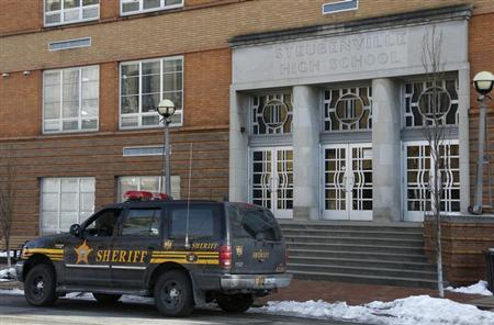 """Sheriff's vehicle sits outside of Steubenville High School after threat that police determined was """"non-viable"""", in Steubenville, Ohio"""