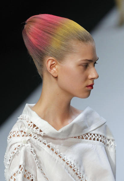 Candy colors at the Issey Miyake Spring/Summer 2012 ready-to-wear show