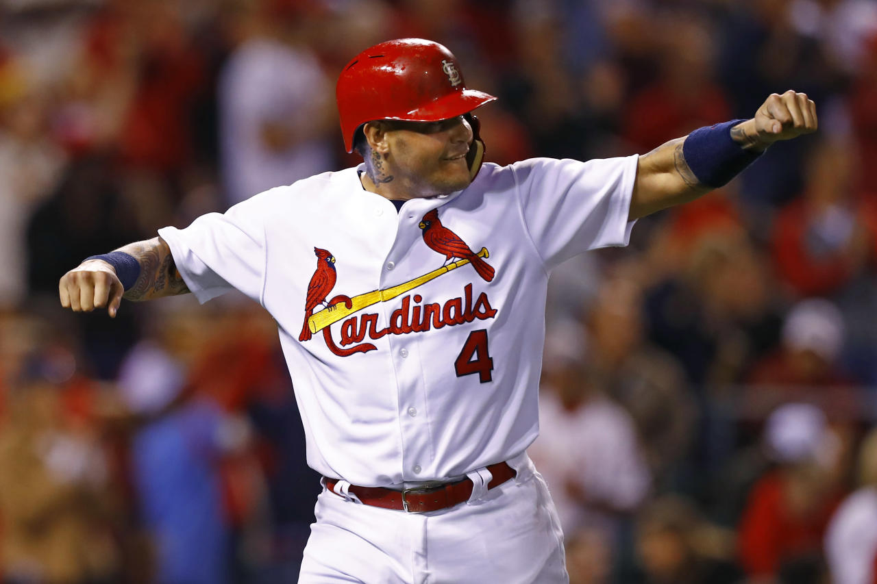 Yadier Molina is so good he sees and celebrates home runs before they happen