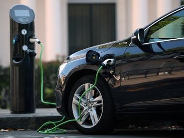 Energy firms, tech startups and oil majors have eyes on the charging stations market meant for electric vehicles