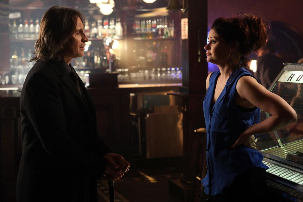"""<span class=""""st"""">Robert Carlyle as Mr. Gold/</span><span class=""""st"""">Rumpelstiltskin</span> and <span class=""""st"""">Emilie de Ravin</span> as Belle/Lacey on """"Once Upon a Time.""""<br>"""