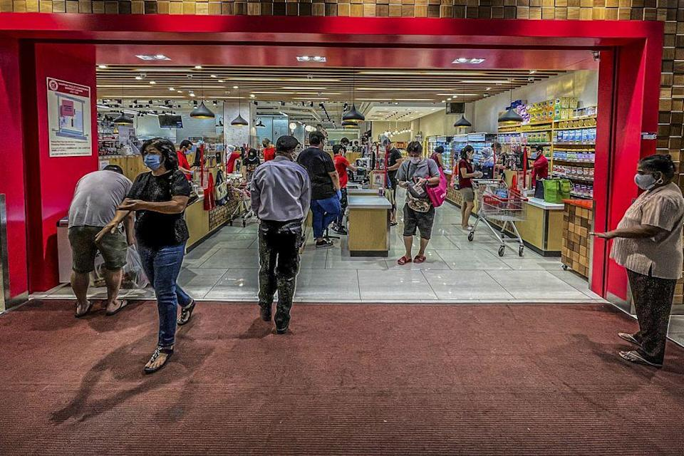 The latest announcement means businesses like restaurants, cafes, stall operators, food trucks, food courts, delivery services as well as supermarkets can return to opening between 7am and 7pm daily. — Picture by Hari Anggara