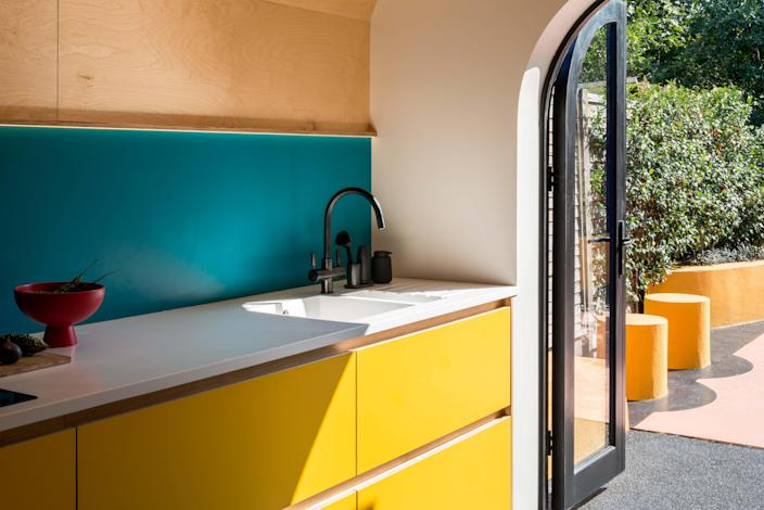 The objectives of the renovation were to open the kitchen up to views of the rear garden to introduce natural light and to create a new kitchen and dining area where the homeowners would want to spend their time.