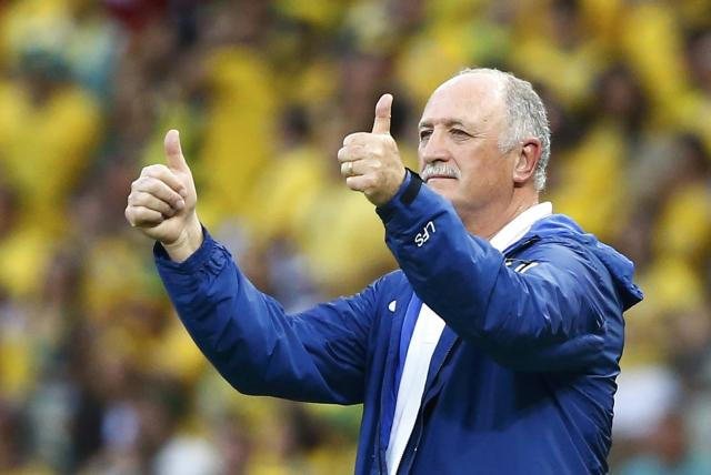 Brazil's coach Luiz Felipe Scolari gestures during the 2014 World Cup quarter-finals between Brazil and Colombia at the Castelao arena in Fortaleza July 4, 2014. REUTERS/Stefano Rellandini (BRAZIL - Tags: SOCCER SPORT WORLD CUP)