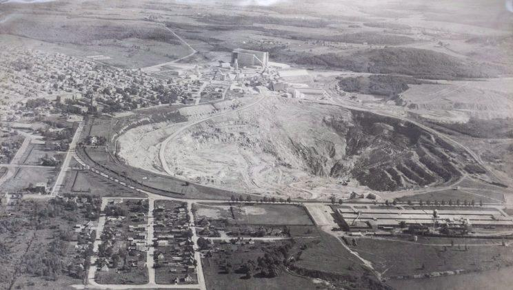 The open pit of the now closed Jeffrey mine in Asbestos, Que is seen in a 1955 photograph. Photo from the Canadian Press