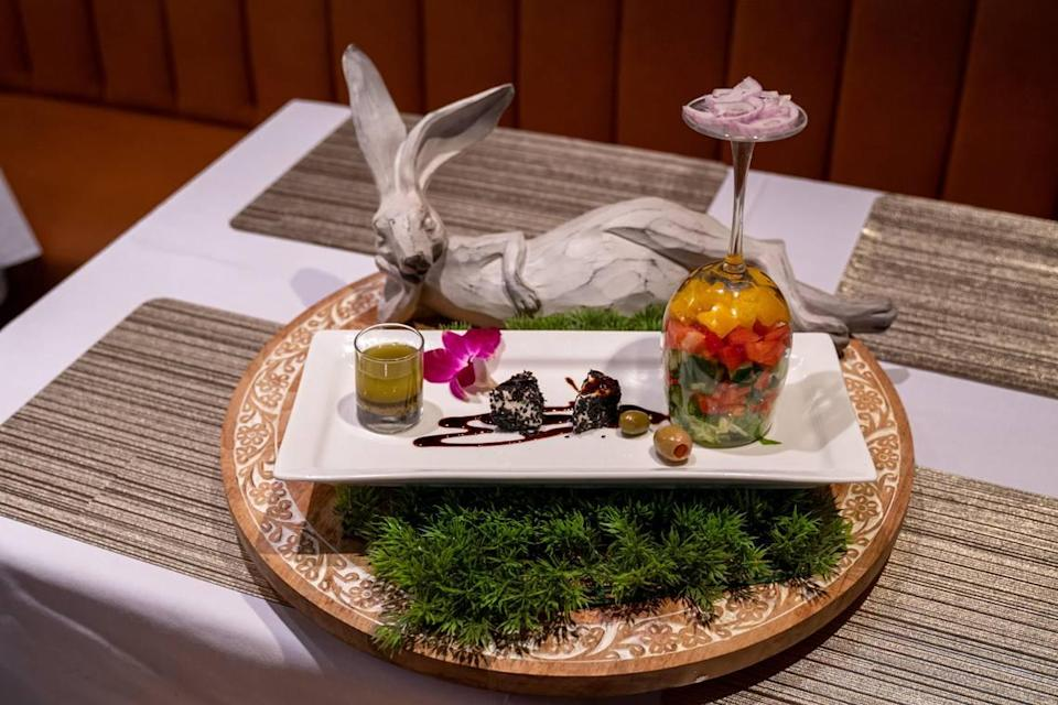 Deluxe Dining has exotic dishes with creative presentations and artistic additions.