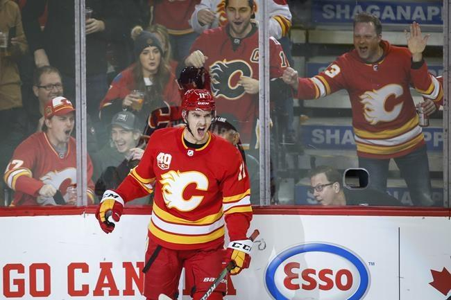 Calgary Flames' Mikael Backlund gets a head start on return in Sweden