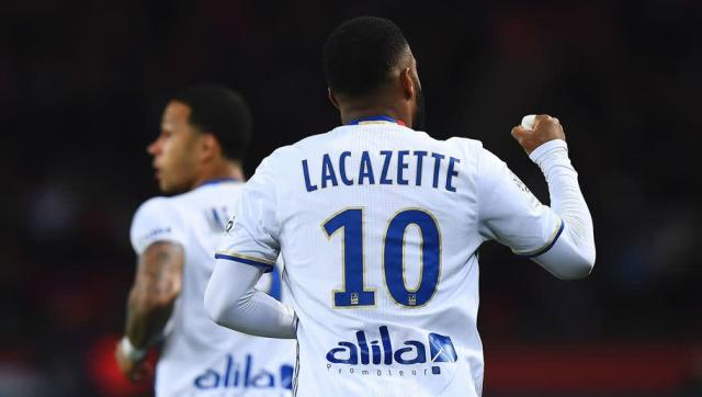 """<p><strong>Goals this week</strong>: 0 (vs Bastia) </p> <p><strong>Total league goals</strong>: 24</p> <p><strong>League games played</strong>: 27</p> <p><strong>Goals/game ratio</strong>: 0.89</p> <br><p>Well, Lacazette didn't really have a chance to shine with Lyon this weekend since the game against Bastia was cancelled at half-time due to the stupidness of some """"fans"""". </p>"""