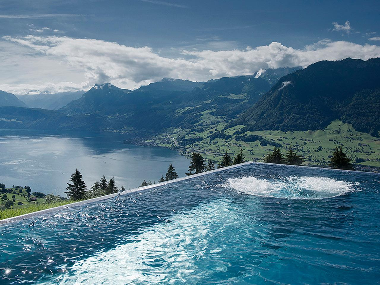 der sch nste infinity pool der schweiz. Black Bedroom Furniture Sets. Home Design Ideas