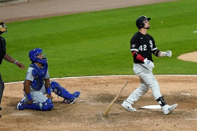 Grandal hits game-winning HR, White Sox beat Royals 6-5