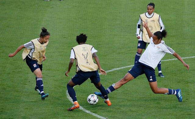 Soccer Football - Women's Champions League - Olympique Lyonnais Training - Valeriy Lobanovskyi Stadium, Kiev, Ukraine - May 23, 2018 Lyon's Wendie Renard during training REUTERS/Gleb Garanich