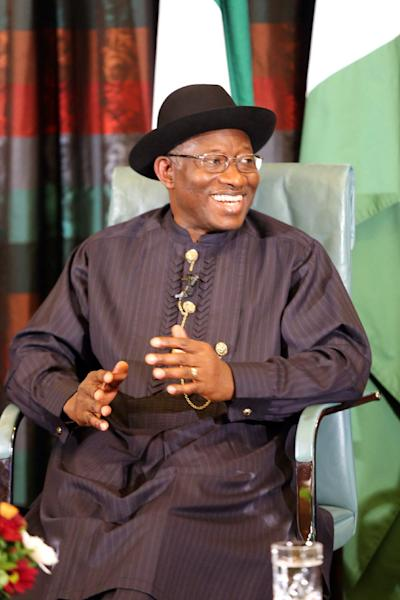 Nigerian President Goodluck Jonathan speaks during a nationally broadcast interview with journalists in Abuja on February 11, 2015 (AFP Photo/)