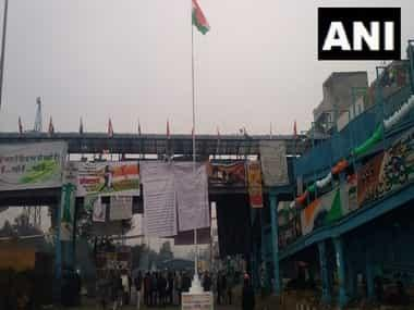 On Republic Day, Shaheen Bagh protesters unfurl Tricolour, sing National Anthem and read Preamble