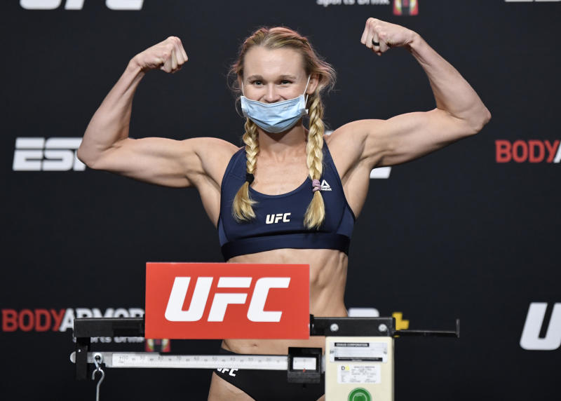 LAS VEGAS, NEVADA - SEPTEMBER 11: In this handout image provided by UFC, Andrea Lee poses on the scale during the UFC Fight Night weigh-in at UFC APEX on September 11, 2020 in Las Vegas, Nevada. (Photo by Jeff Bottari/Zuffa LLC via Getty Images)