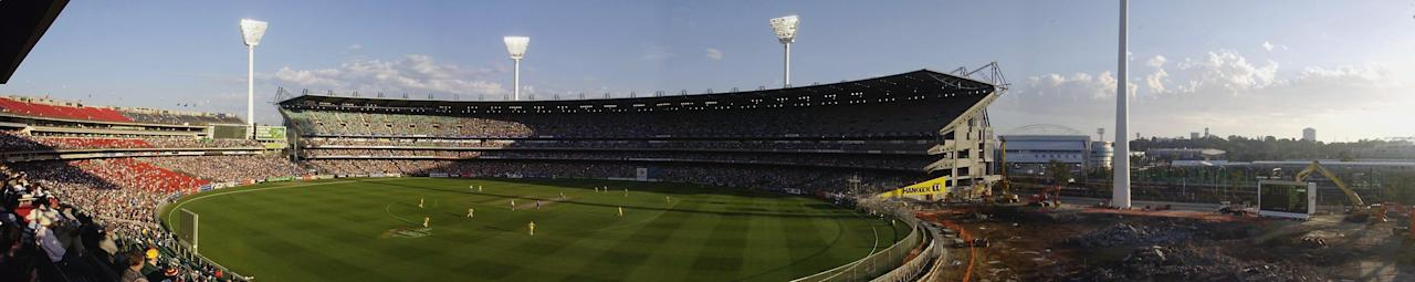 A panoramic view of the Melbourne Cricket Ground during the VB tri-nation series match between Australia and England held on December 15, 2002 at the Melbourne Cricket Ground in Melbourne, Australia. (Photo by Tom Shaw/Getty Images)
