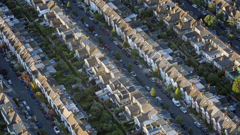 House sales set to plunge by up to 60% over next three months – report