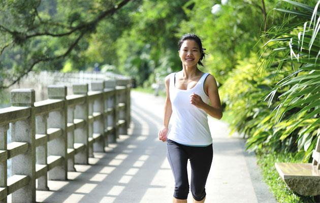 Exercising produces mood-enhancing endorphins that help to prevent depression. (Thinkstock photo)
