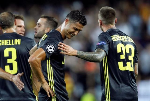 Ronaldo sent off in 1st Champions League game with Juventus