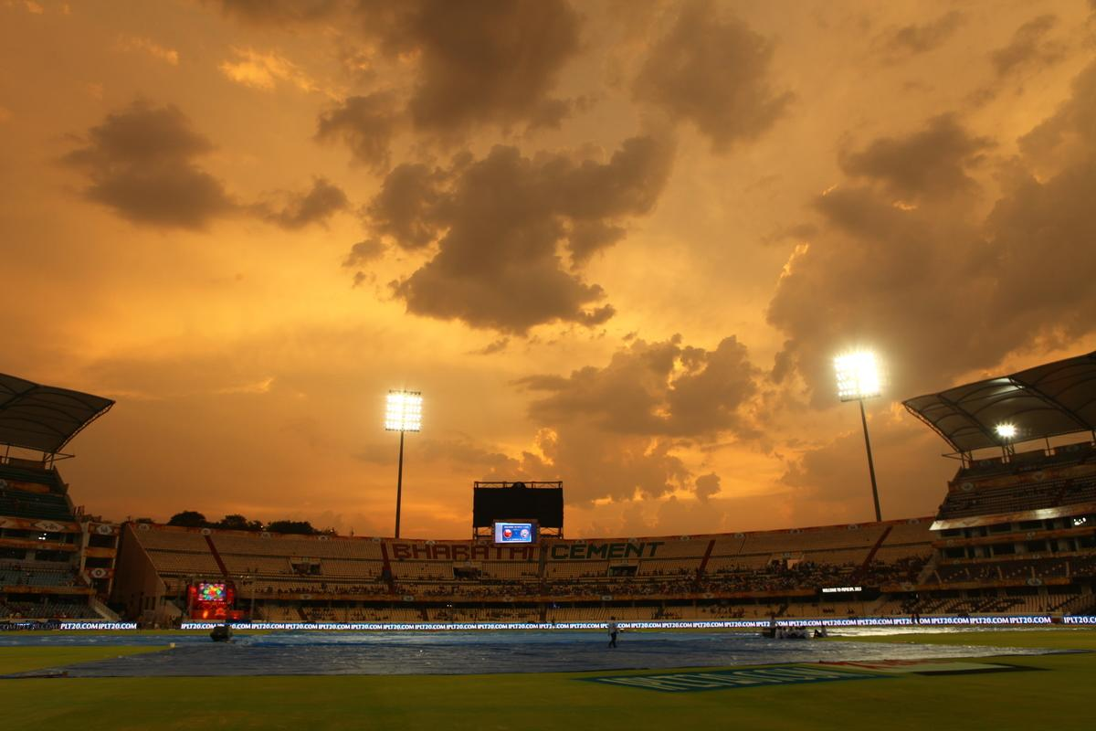 General view of the stadium at sunset during match 54 of the Pepsi Indian Premier League between The Sunrisers Hyderabad and Chennai Super Kings held at the Rajiv Gandhi International Stadium, Hyderabad  on the 8th May 2013. Photo by Jacques Rossouw - SPORTZPICS - IPL    ..Use of this image is subject to the terms and conditions as outlined by the BCCI. These terms can be found by following this link:..https://ec.yimg.com/ec?url=http%3a%2f%2fwww.sportzpics.co.za%2fimage%2fI0000SoRagM2cIEc&t=1498504344&sig=2AukvIDSm43VYTPRcXhRNA--~C