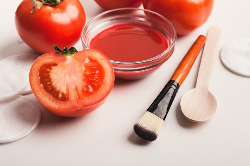 Tomato face mask for natural beauty care. (PHOTO: Getty Images)