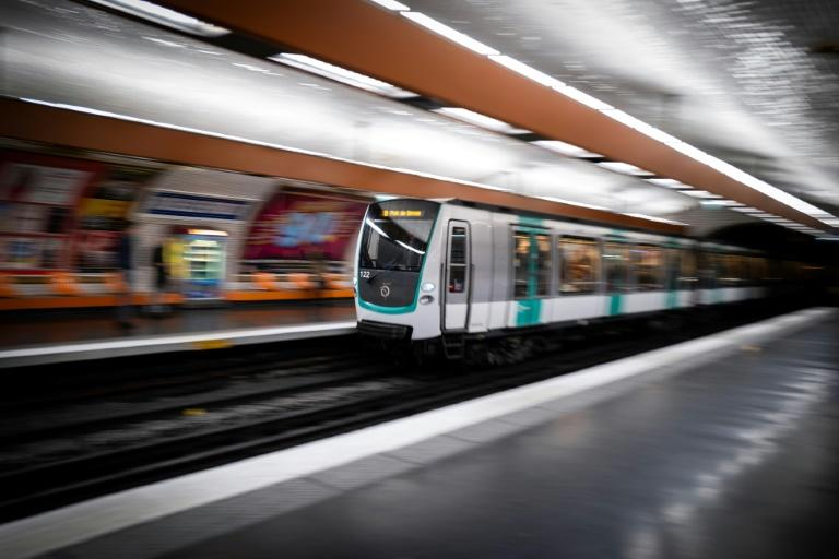 Paris metro and rail workers will walk off the job starting Thursday, banking on widespread support for their protest against plans they say will require millions to retire later or face reduced pensions
