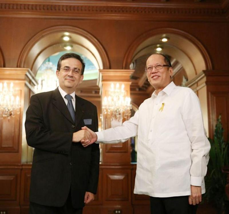 France, Phl ink defense cooperation pact