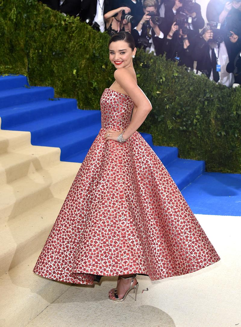 978443e4e9 At this year's Met Gala, Kerr turned heads in a vintage-inspired Oscar de