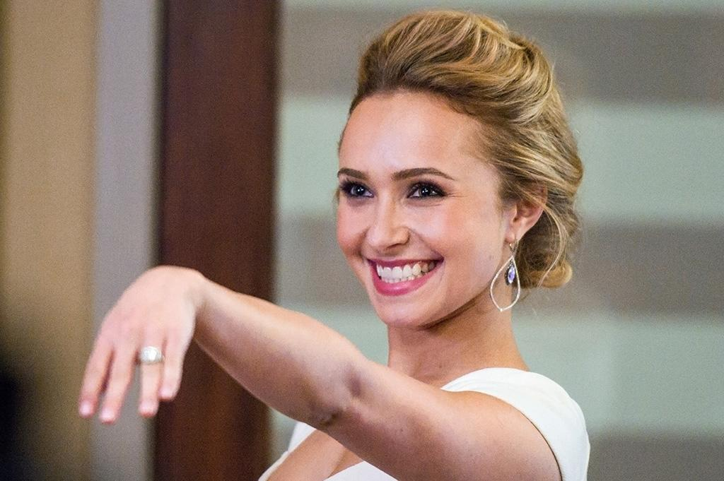 "Hayden Panettiere in the ""Nashville"" episode, ""Be Careful of Stones That You Throw."""