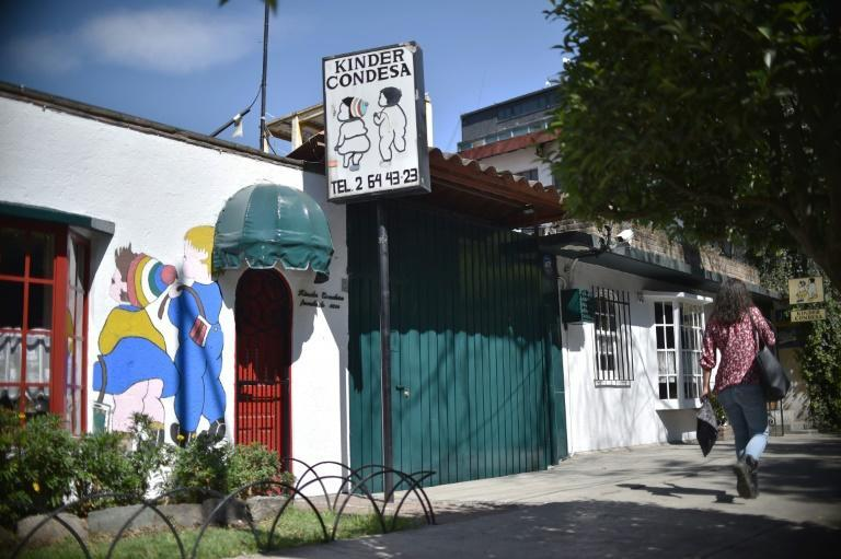 """""""I have such fond memories"""" of the Condesa kindergarten that """"I want it to be in my movie,"""" the director told Victoria Pantoja, the granddaughter of the school's founder, when he visited"""