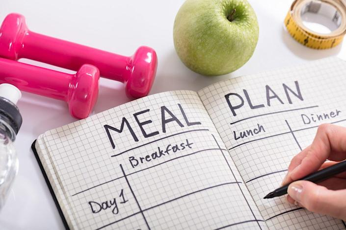 "<p><strong>Start your diet on Sunday. </strong>Research finds that this guarantees the biggest weight loss success. The worst day to start? Tuesday.</p><p><strong>Eat a food that's a contrasting color to your plate </strong>(think pasta marinara on a white plate). It can trim how much food you take (and eat) by 21%.</p><p><strong>Use a big fork to eat less. </strong>Researchers believe a big fork helps you gauge how much you've eaten better than a small one</p><p><strong>Turn off the cooking shows. </strong>When dieters watch food-related TV programs, they inhale 60% more snacks than nondieters.</p><p><strong>Choose one starch (pasta, bread, rice) per meal. </strong>Too many carbohydrates can spike your blood sugar, making you hungrier later.</p><p><strong>Have whole grains at breakfast</strong> (like oats or whole-wheat toast). Their <a href=""https://www.womansday.com/food-recipes/food-drinks/recipes/a28618/hearty-lentil-stew-recipe/"" rel=""nofollow noopener"" target=""_blank"" data-ylk=""slk:filling fiber"" class=""link rapid-noclick-resp"">filling fiber</a> curbs midmorning hunger pangs.</p><p><strong>Eat every four hours to keep your appetite in check. </strong>Wait too long between meals and you'll end up hungrier and more likely to overeat.</p><p><strong>Keep healthy munchies in your glove compartment. </strong>Try a granola bar, a single-serving bag of whole-wheat pretzels or a 1-oz bag of nuts.</p><p><strong>Stock the fridge with low-fat dairy products. </strong>They've got whey protein, calcium and <a href=""https://www.womansday.com/health-fitness/nutrition/g19644390/best-foods-vitamin-d/"" rel=""nofollow noopener"" target=""_blank"" data-ylk=""slk:vitamin D"" class=""link rapid-noclick-resp"">vitamin D</a>, which help burn fat and curb hunger.</p><p><strong>Eat 15 to 20 grams of protein at every meal</strong> (about 2 to 3 oz of meat, chicken or fish). Spacing it out is key to keeping your metabolism revved.</p><p><strong>Add produce to meals.</strong> Fruits and veggies are the ultimate eat-less tool: They fill you up for fewer calories plus have crucial nutrients.</p><p>*Measure this amount of pasta, rice or couscous before cooking.</p>"