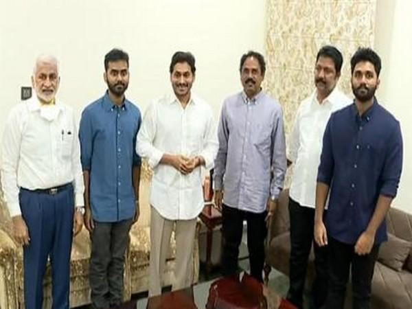 TDP MLA Vasupalli Ganesh and his two sons Surya and Govind Saket joined YSRCP in presence of Chief Minister YS Jaganmohan Reddy (Photo/ANI)