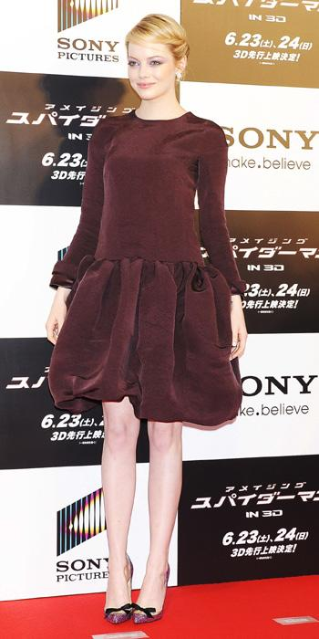Wow, Emma really hit a fashion misstep here while in Tokyo, Japan. The actress' Rochas dress looks all wrong on her: from the drab colour to the unflattering full skirt and the top that makes her look lumpy. Take it away! (Photo by Jun Sato/WireImage)