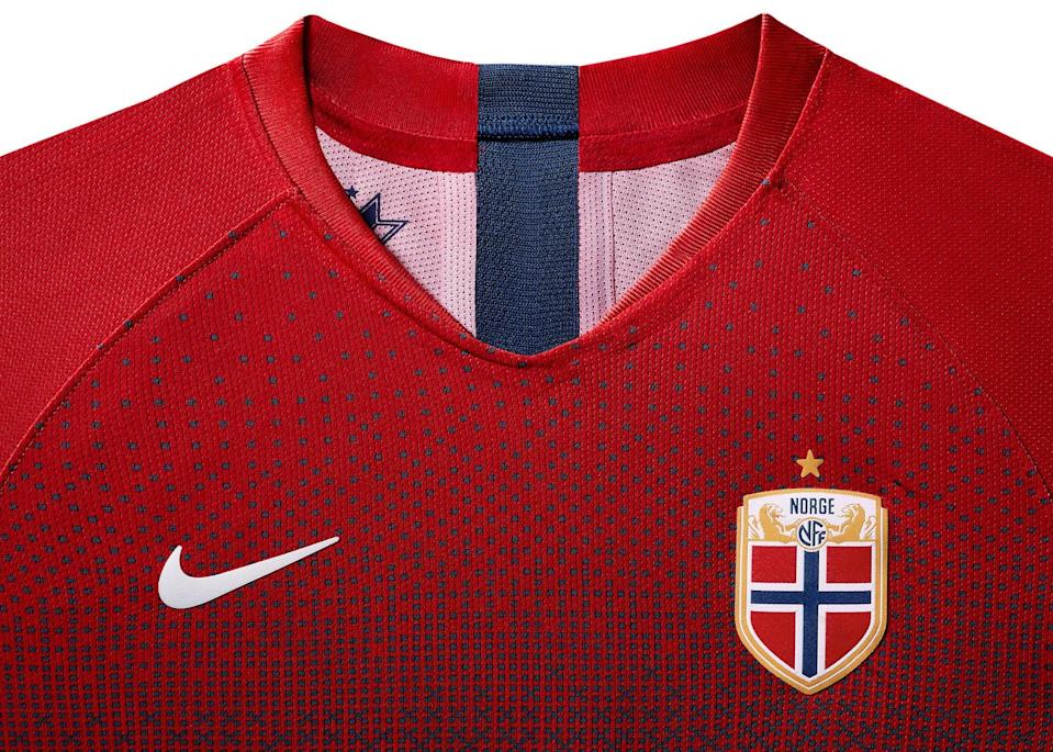 <p>Combining the team's trademark colors of red and blue, the new home jersey features a pattern borrowed from traditional Norwegian ski sweaters. The result is a unique gradient aesthetic that decorates the front of the shirt. </p>