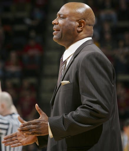 Florida State coach Leonard Hamilton talks to his team in the second half of an NCAA college basketball game against Clemson on Sunday, March 4, 2012, in Tallahassee, Fla. Florida State won 80-72. (AP Photo/Phil Sears)