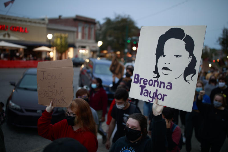 Protests have erupted around the country in the wake of the Breonna Taylor verdict. (Photo: Jeremy Hogan/SOPA Images/LightRocket via Getty Images)