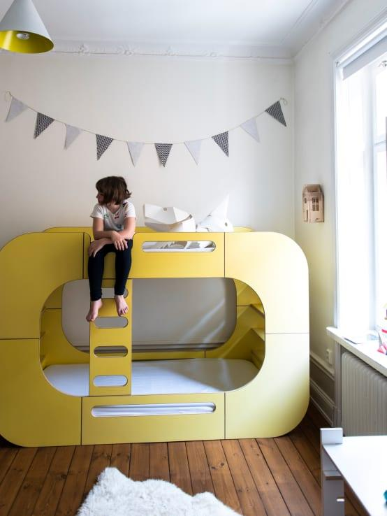 <p>Colourful, cool and with a stylishly retro edge, this bunk bed is literally PERFECT! With shelves at either end as well, your little ones can have bedtime reading material close to hand and a little night light too, if they aren't too keen on the dark. We would actually sleep in this bed!</p>  Credits: homify / E-Side