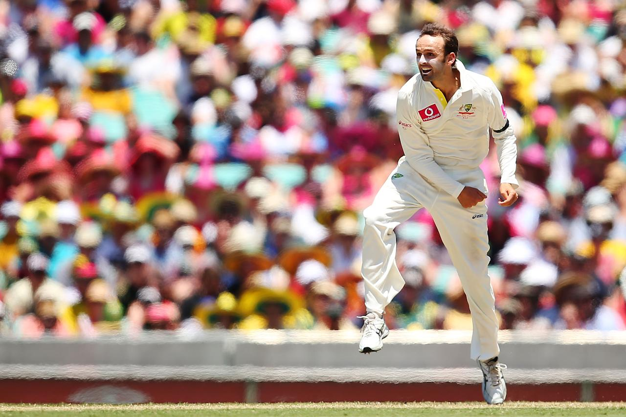 SYDNEY, AUSTRALIA - JANUARY 03:  Nathan Lyon of Australia bowls during day one of the Third Test match between Australia and Sri Lanka at the Sydney Cricket Ground on January 3, 2013 in Sydney, Australia.  (Photo by Brendon Thorne/Getty Images)