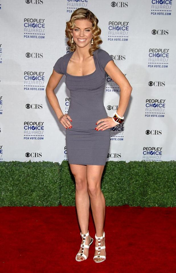 """<a href=""""/annalynne-mccord/contributor/2204399"""">AnnaLynne McCord</a> arrives at the 35th Annual People's Choice Awards held at the Shrine Auditorium on January 7, 2009 in Los Angeles, California."""