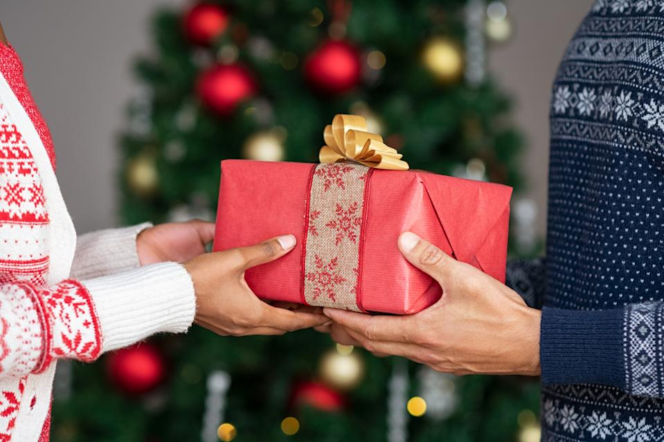 Give the gift of safe online shopping this holiday (Photo: Getty)