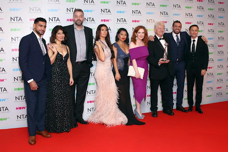 LONDON, ENGLAND - JANUARY 23: (L-R) Amir Khan, Shappi Khorsandi, Iain Lee, Rebekah Vardy, Vanessa White, Jennie McAlpine, Stanley Johnson, Jamie Loma and Dennis Wise pose with their Challenge Award for 'I'm A Celebrity, Get Me Out of Here' at the National Television Awards 2018 at The O2 Arena on January 23, 2018 in London, England. (Photo by Mike Marsland/Mike Marsland/WireImage)