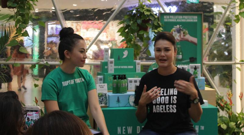 Eunice Olsen (in black) speaking at The Body Shop's new Drops of Youth Youth Concentrate event on 7 January 2020. (PHOTO: Sheila Chiang/Yahoo Southeast Asia)