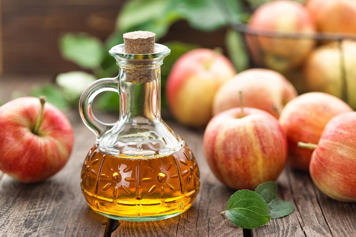 Can apple cider vinegar help you lose weight? [Photo: Getty]