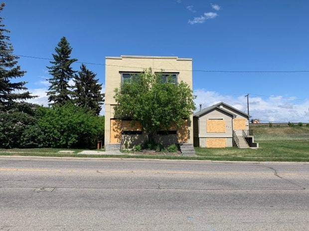 A century ago, this apartment building was the site of one of the first Chinese laundries in Calgary. Now, the building is set to be demolished to make way for the Green Line. (Mike Symington/CBC - image credit)