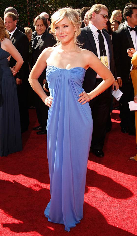 Kristen Bell arrives at the 59th Annual Primetime Emmy Awards at the Shrine Auditorium on September 16, 2007 in Los Angeles, California.