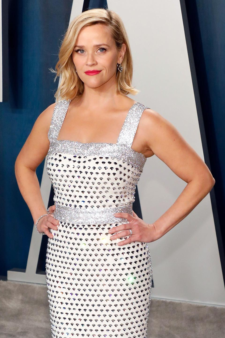<p>Reese Witherspoon has been in the spotlight for decades, and she still looks as amazing as she did was back in her Cruel Intentions days. At 43, Reese has glowing skin, a healthy attitude on life, and ridiculously chic hair. She also looks really, really fit—not to mention happy. Here's how she looks so great and the health habits she swears by to feel her best—physically and mentally.</p>