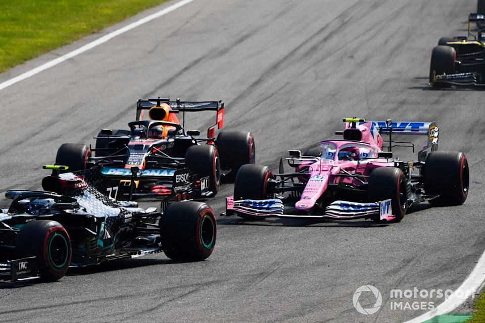 """Lance Stroll, Racing Point RP20, Max Verstappen, Red Bull Racing RB16<span class=""""copyright"""">Mark Sutton / Motorsport Images</span>"""