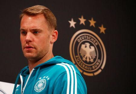 Soccer Football - World Cup - Germany Press Conference - Moscow, Russia - June 19, 2018 Germany's Manuel Neuer arrives for the press conference REUTERS/Axel Schmidt