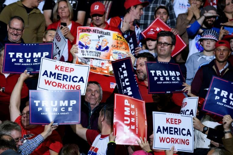 """Democrats are getting """"desperate,"""" President Donald Trump told his Republican supporters at a rally (AFP Photo/Brendan Smialowski)"""